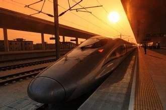 """武汉今年春运首开""""夜行高铁"""" 节前计划加开102趟"""
