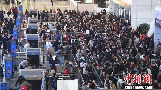 长三角铁路春运10天发送旅客突破2000万人次