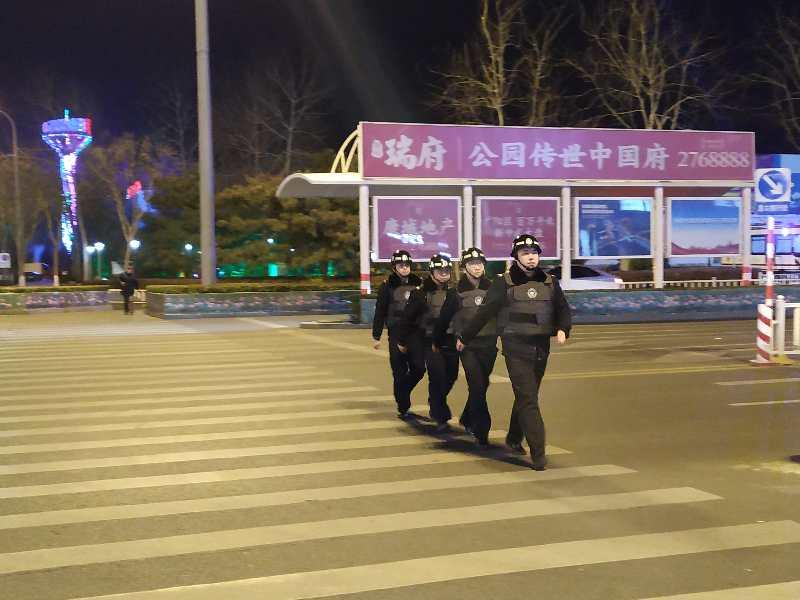 廊坊警方春節網格化巡邏防控保安全