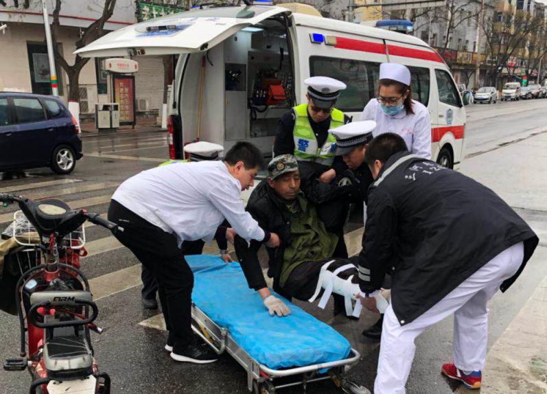 三河交警助病患緊急就醫,彰顯文明城市交警為民服務形象