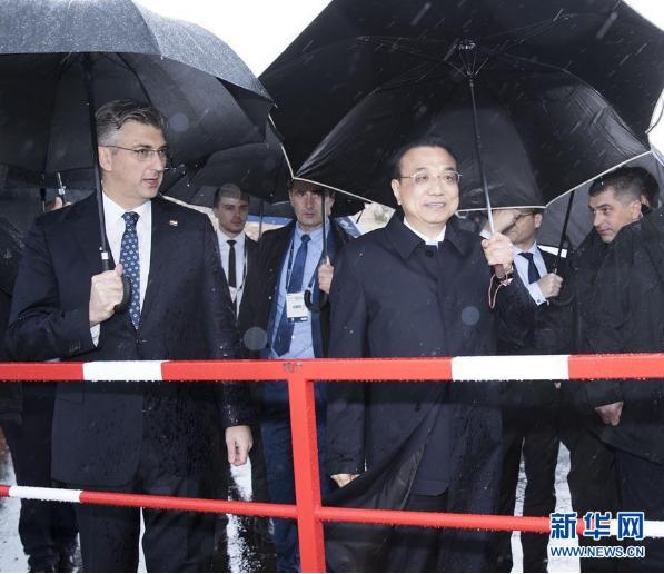 李克強和克羅地亞總理普連科維奇共同考察佩列沙茨大橋項目