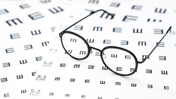 """越戴眼鏡越近視?""""眼球操""""能治療近視?關于近視,這些謠言不要信"""