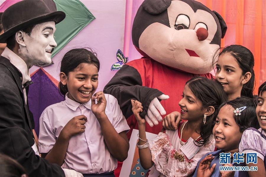 加尔各答庆祝世界儿童日