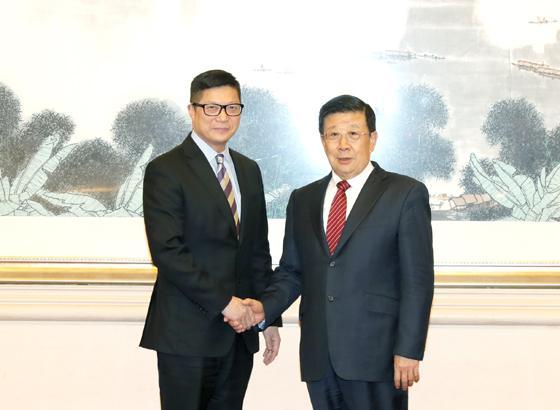 赵克志会见香港警务处处长邓炳强