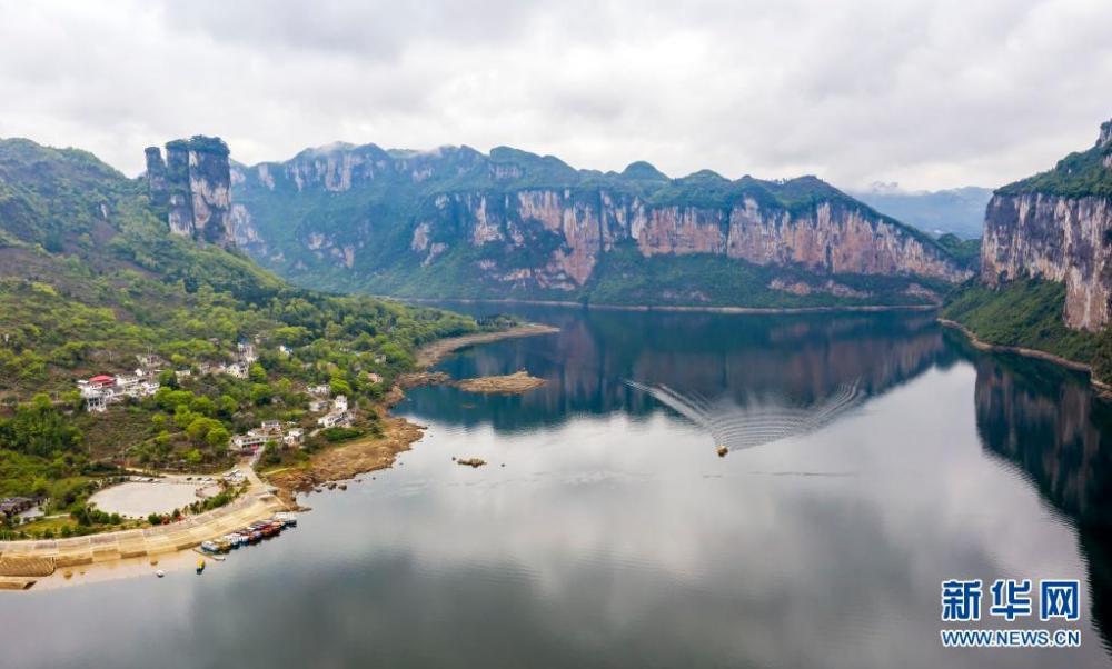 贵州黔西:化屋旅游持续火爆 助推乡村振兴