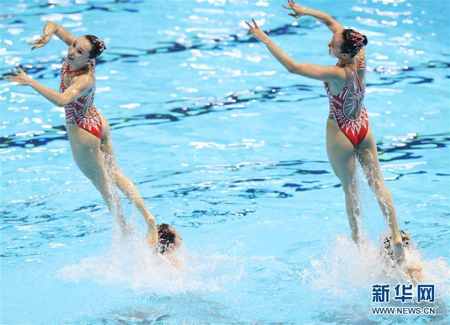 花样游泳女子集体技术自选决赛:中国摘银