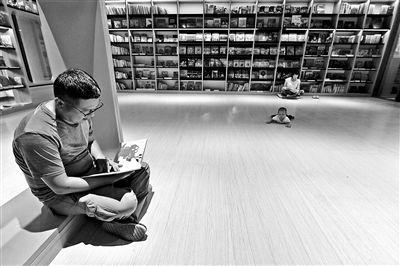 副中心有了首家24小时不打烊书店 客户以附近居民为主