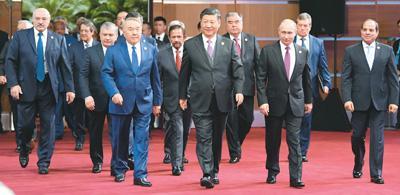 大国外交引领世界前行