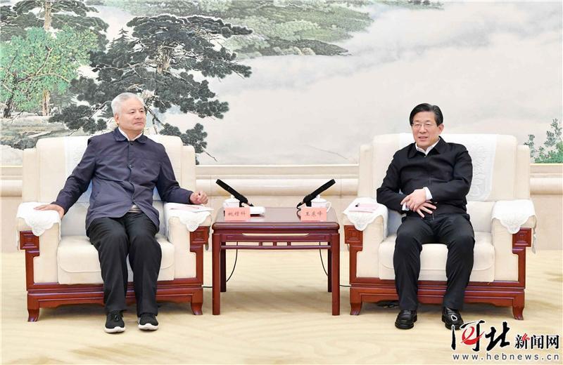 王东峰与住赣全国政协委员考察团举行工作座谈