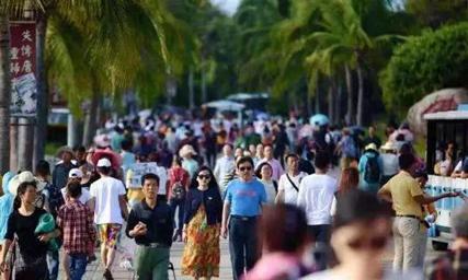 三亚旅游迸发新活力 重拳出击护航旺季游