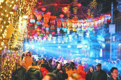 """北京:2万景观灯笼装点""""市属公园春节游园会"""""""