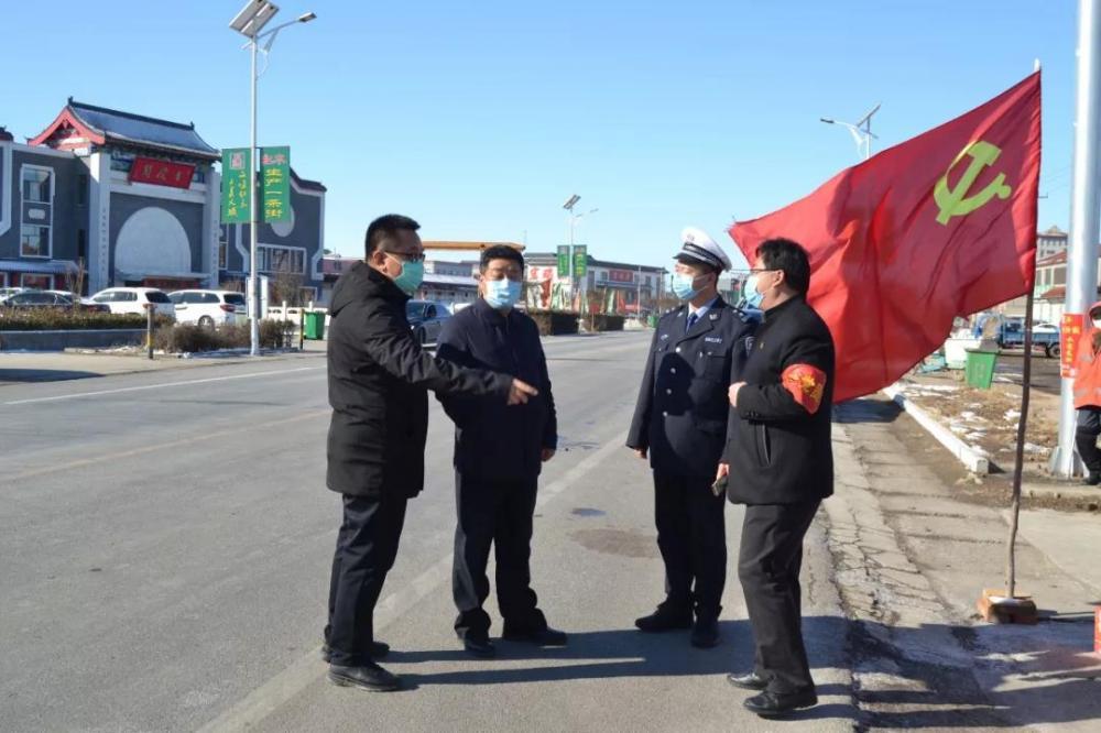 大城縣縣委副書記劉國旺走訪慰問堅守在抗疫一線的執勤交警