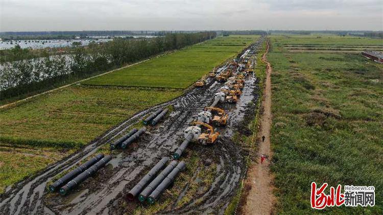 """中俄东线天然气管道工程(长岭—永清)主体焊接实现""""过半"""""""