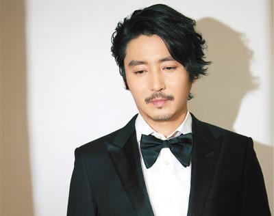 王泷正:对手戏演员的唾沫星子都能帮到表演