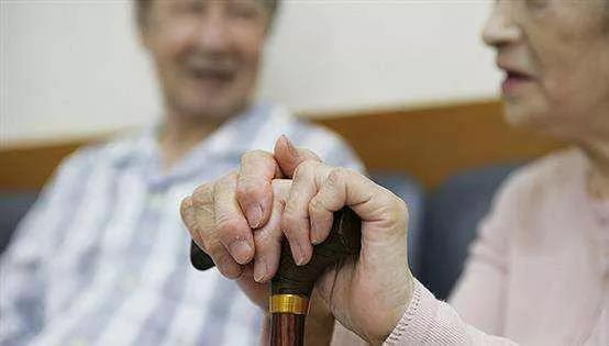 """""""真金白银""""能否破解养老服务人才困境?"""