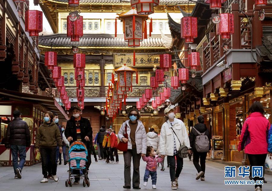 上海豫园:张灯结彩年味浓