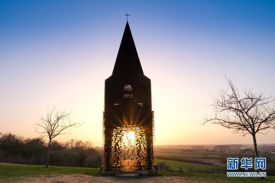 """比利时:体会""""透明教堂""""的""""弦外之音"""""""