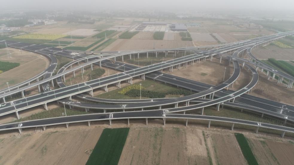 京雄高速公路瀝青路面攤鋪全部完工